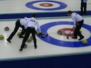 320px-Curling_Torino_2006_Pinerolo_Palaghiaccio_scena2